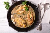 Recette de Filets de volaille sauce crémeuse aux champignons