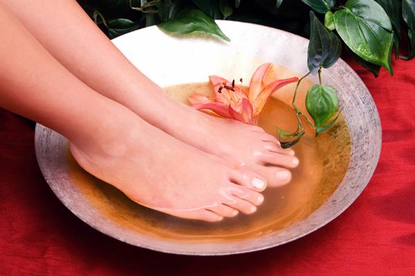 Bain de pieds au bicarbonate de soude