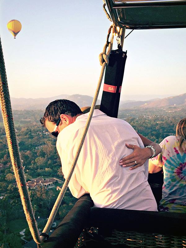 En ballon pour une demande en mariage aérienne