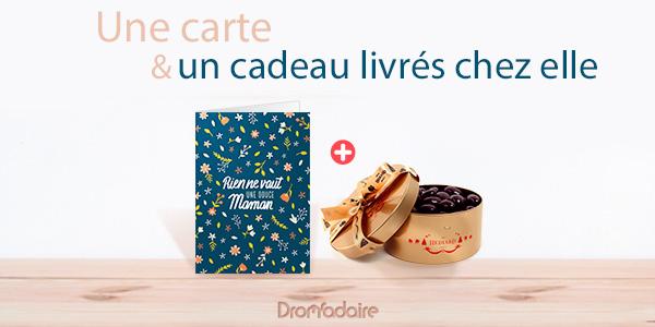 souhaiter bonne fête Maman avec une belle carte et un cadeau