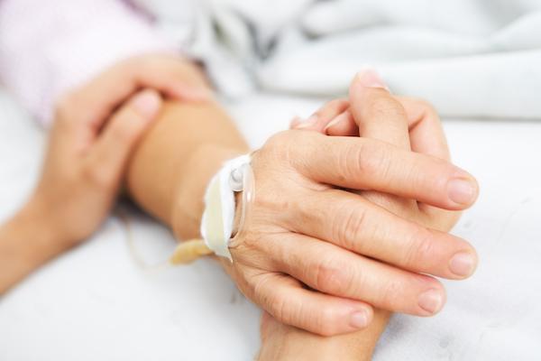 Journée du malade: le Pape refuse toute instrumentalisation politique de la médecine Main_malade