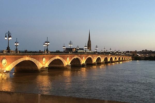 Escapade bordelaise : préparez votre séjour dans la région de Bordeaux avec nos idées et conseils